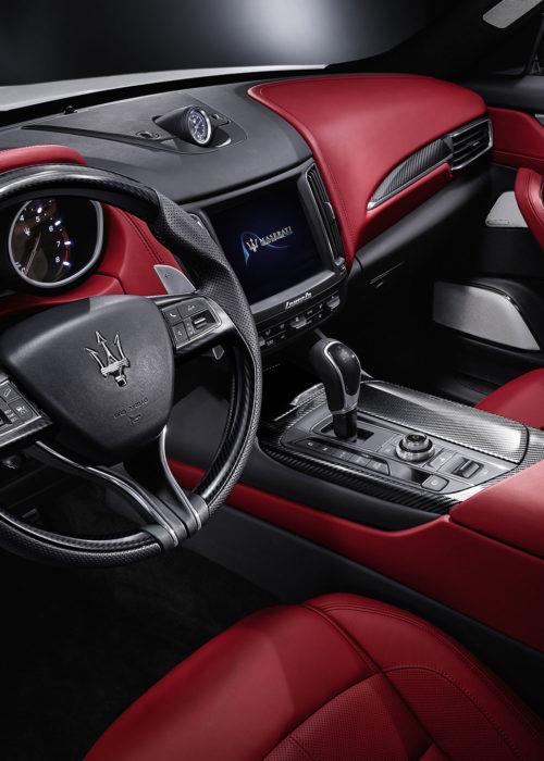 Maserati-Levante-cabin-02